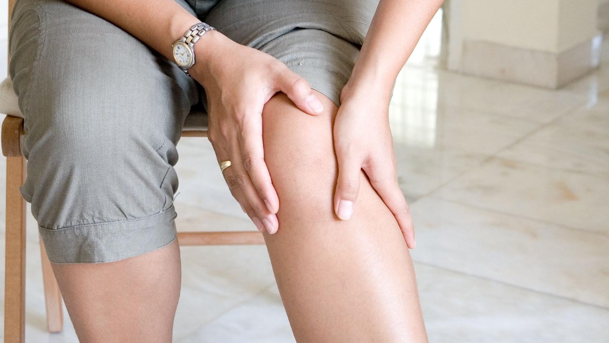 ce cauzează durere în coapsele interioare superioare